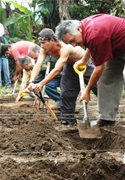 Latin American farmers learn to GROW BIOINTENSIVE at the 2010 conference